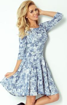 d3884df35a47 Dámské společenské šaty se vzorem růží v modrém odstínu. Střih s rozšířenou  sukní a s tříčtvrtečními rukávy.