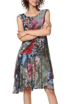 705e93d07d78 Letní šaty Desigual Karuka. Šaty mají volný