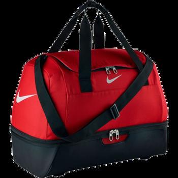 ca4836815e Sportovní taška Nike Club Team Hardcase ve velikosti Medium. Středně velká  a praktická fotbalová taška z odolného materiálu