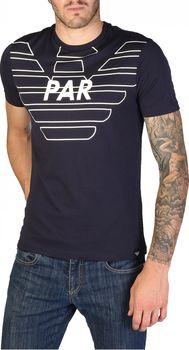 f2be2c06d3f5 Tohle stylové tričko je od italské značky Emporio Armani. Jedná se o tričko  s krátkým rukávem a nápisem přes hruď
