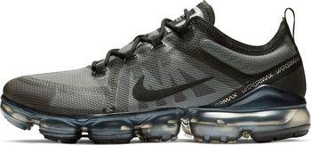 competitive price 1d6da cde82 Pánská obuv Nike Air VaporMax 2019 přichází ze zcela novým průsvitným  svrškem z TPE. O podporu střední části se starají podpůrné panely ze  syntetiky.