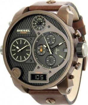 Pánské hodinky Diesel DZ 7246 s ocelovým pouzdrem a hnědým koženým  řemínkem. Kombinovaný ciferník je chráněn minerálním sklíčkem ff4f45a1a6