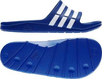 c82d10ae0c7f Adidas Duramo Slide Na bazén Boty mají klasický skluzu na design s  polstrovanou stélka pro pohodlné nošení. Tyto adidas sandály také těžit z  přilnavost k ...